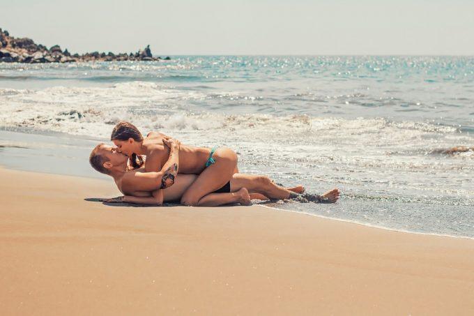 LE SEXE EST MEILLEUR EN VACANCES