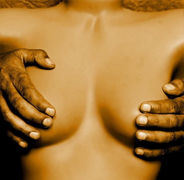 Pourquoi les hommes aiment les gros seins