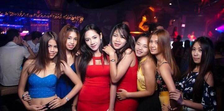 FILLES CHAUDES A PATONG BEACH THAILANDE